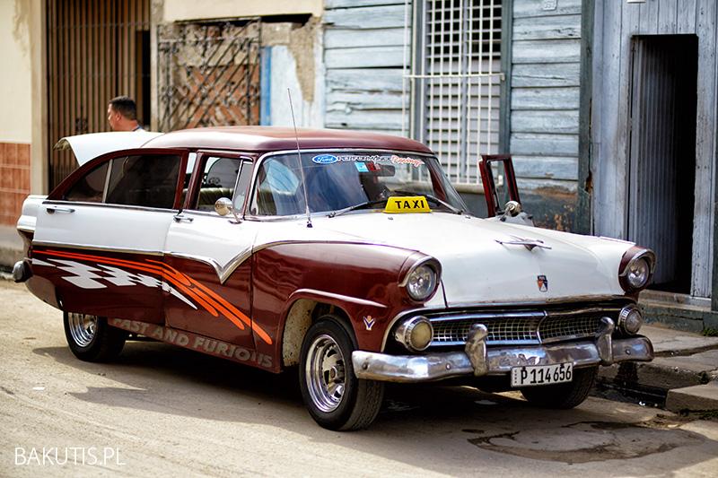 samochodem na Kubie