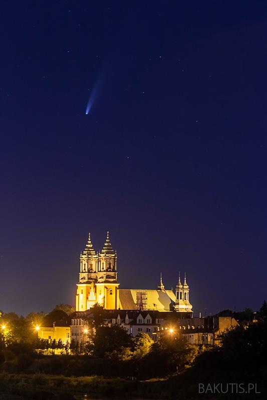 Kometa C/2020 F3 Neowise
